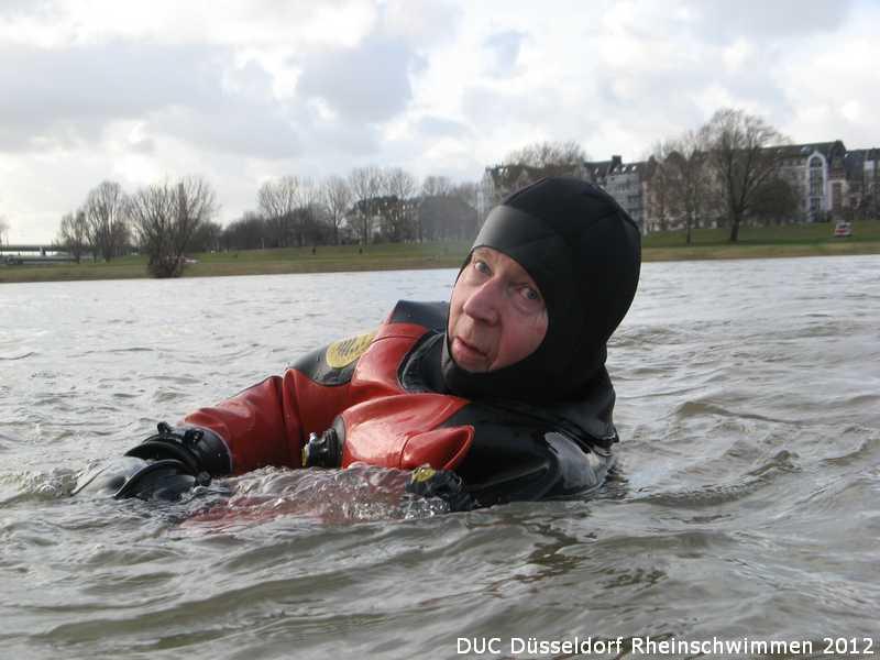 duc_rheinschwimmen_2012_30